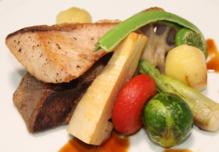 旬野菜と鰤のステーキ