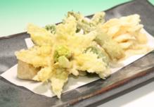 白魚白扇揚げと旬野菜の天ぷら